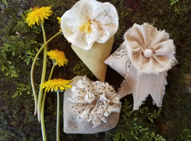 Lavender sachets - free patterns - with fabric flowers